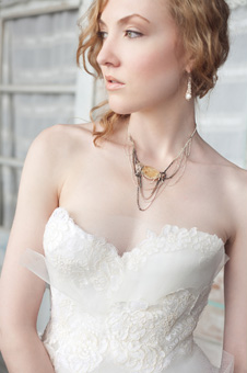 Choosing the Right Jewelry for Your Wedding Day